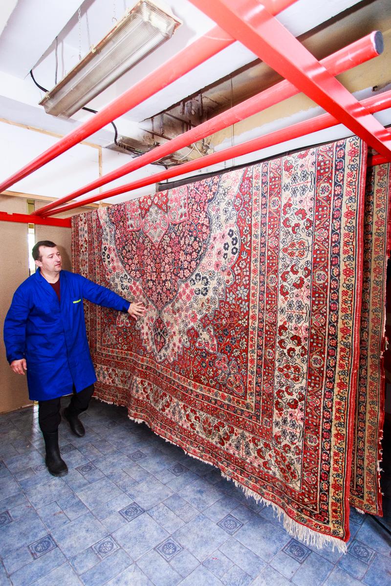 Egy óriási szőnyeg sem okoz gondot